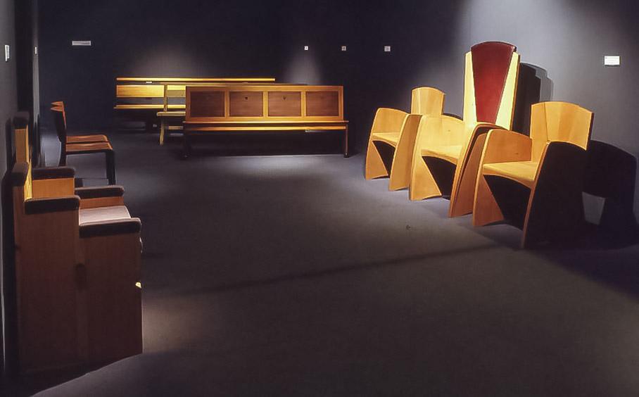 "Koinè Ricerca 1993, mostra ""Sedi e sedie per le chiese"""