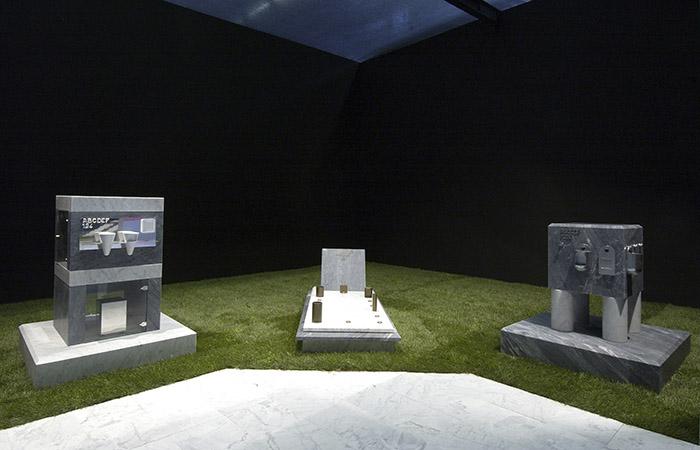 """Tanexpo Design 2004, mostra """"Marmo & Design: l'uso del marmo nei luoghi cimiteriali"""""""